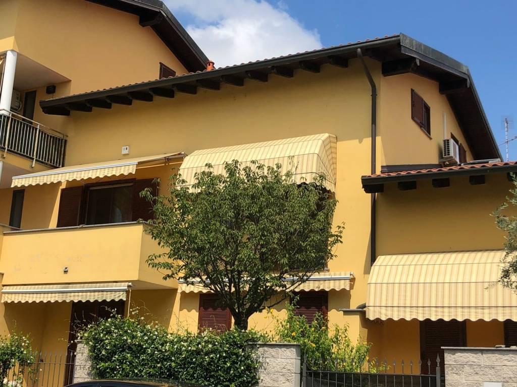Appartamento in ottime condizioni in vendita Rif. 8559851