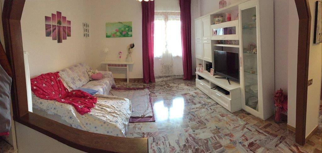 Appartamento parzialmente arredato in vendita Rif. 8563655