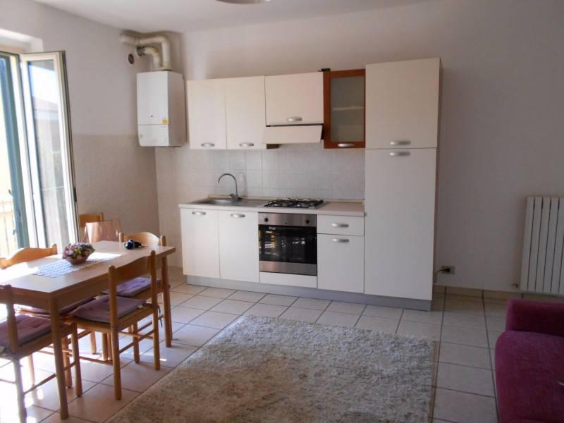 Appartamento in affitto Moie J37106