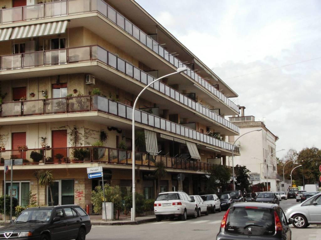 Appartamento in buone condizioni in vendita Rif. 9149195