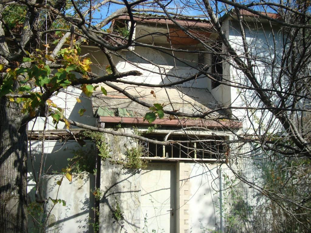 Foto 1 di Villa via Zara, frazione Passo Corese, Fara In Sabina