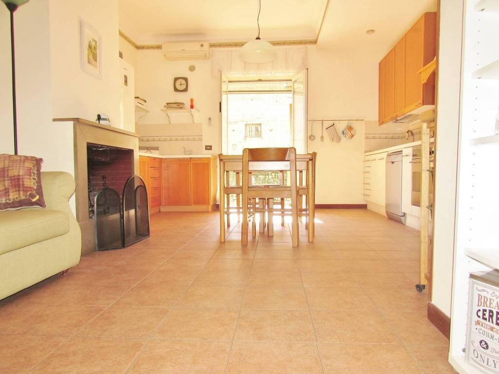 Appartamento in ottime condizioni in vendita Rif. 8564521