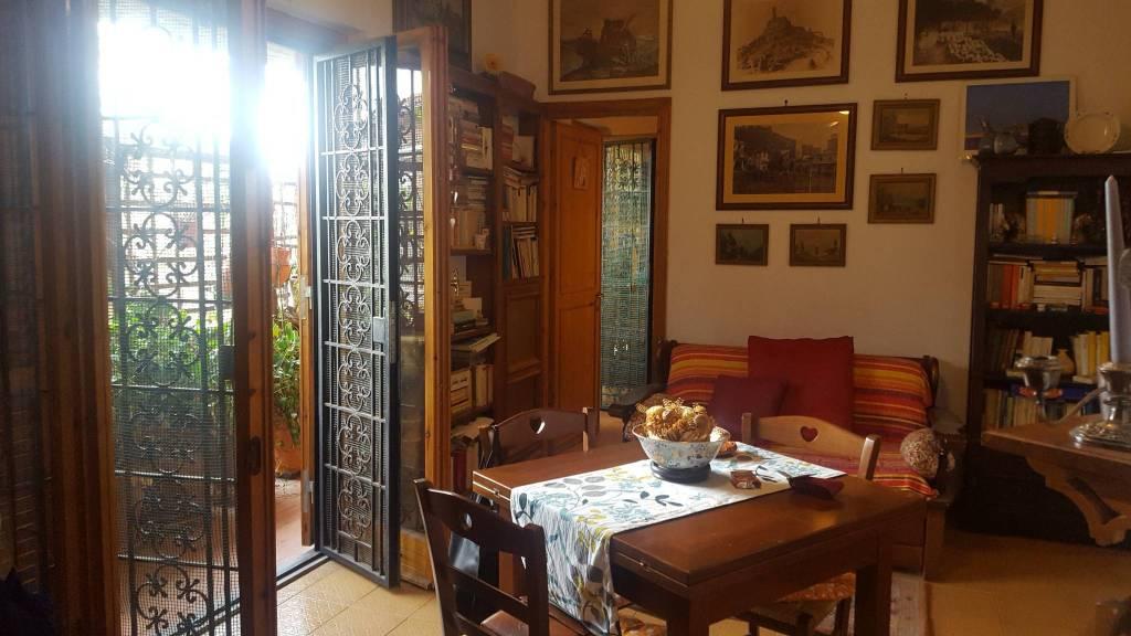 Appartamento in buone condizioni arredato in affitto Rif. 8563678