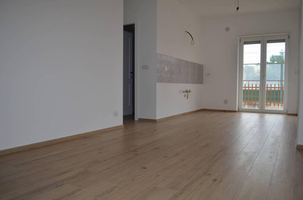 Appartamento in ottime condizioni in vendita Rif. 8559812