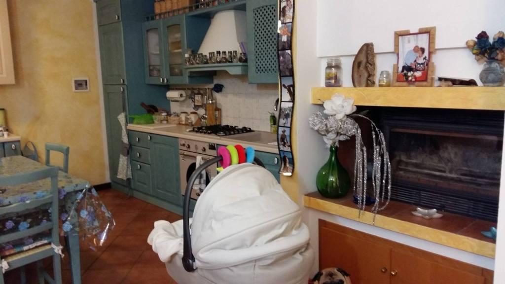 Appartamento in ottime condizioni in vendita Rif. 8575654