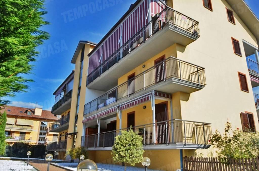 Appartamento in buone condizioni in vendita Rif. 8575067