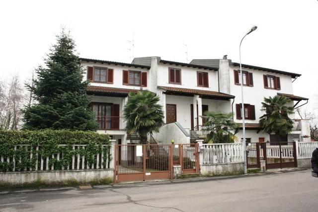 Villa in buone condizioni in vendita Rif. 8575867