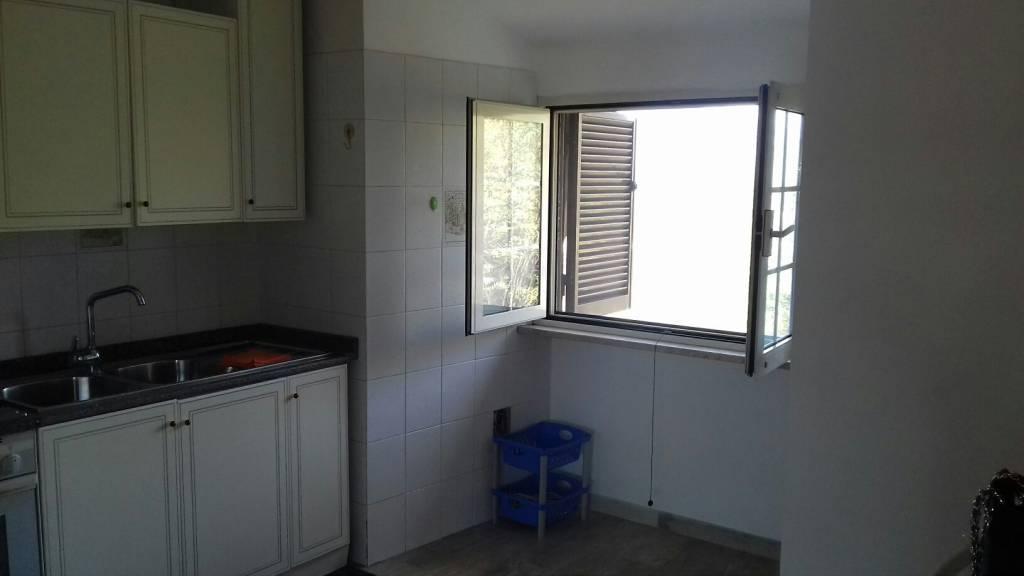 Appartamento in buone condizioni arredato in affitto Rif. 8575500