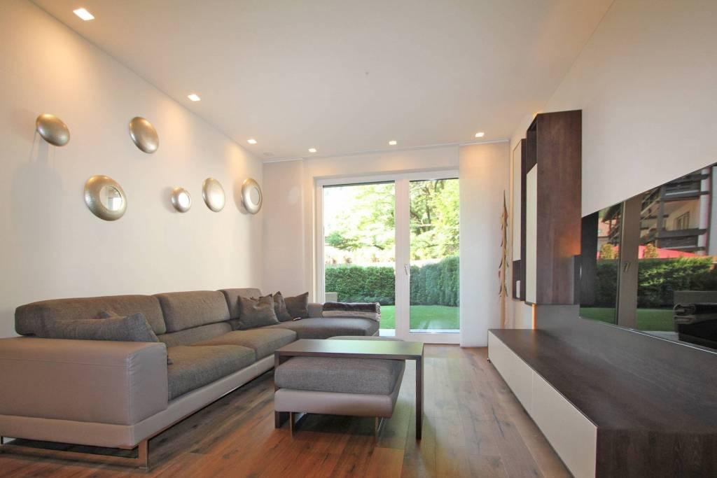 Appartamento in buone condizioni arredato in vendita Rif. 8573611