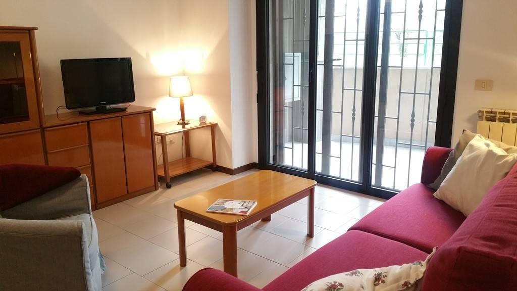 Appartamento in buone condizioni arredato in affitto Rif. 8573668