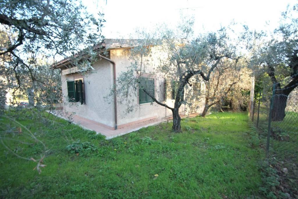 Villa in buone condizioni in vendita Rif. 4197445