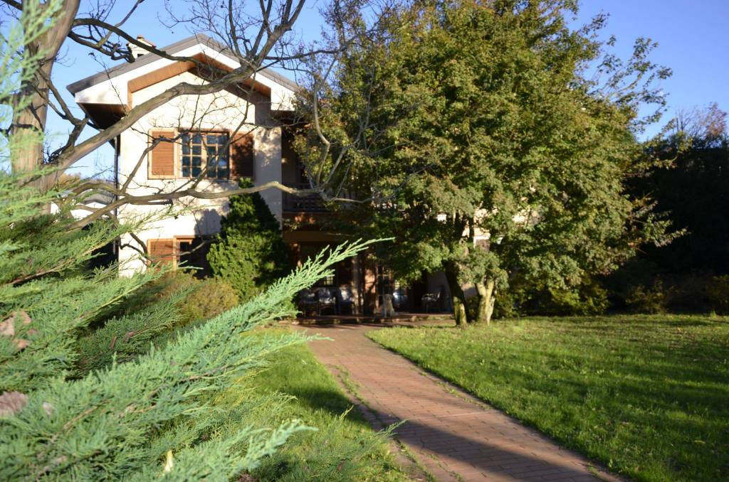 Villa in ottime condizioni in vendita Rif. 8575845