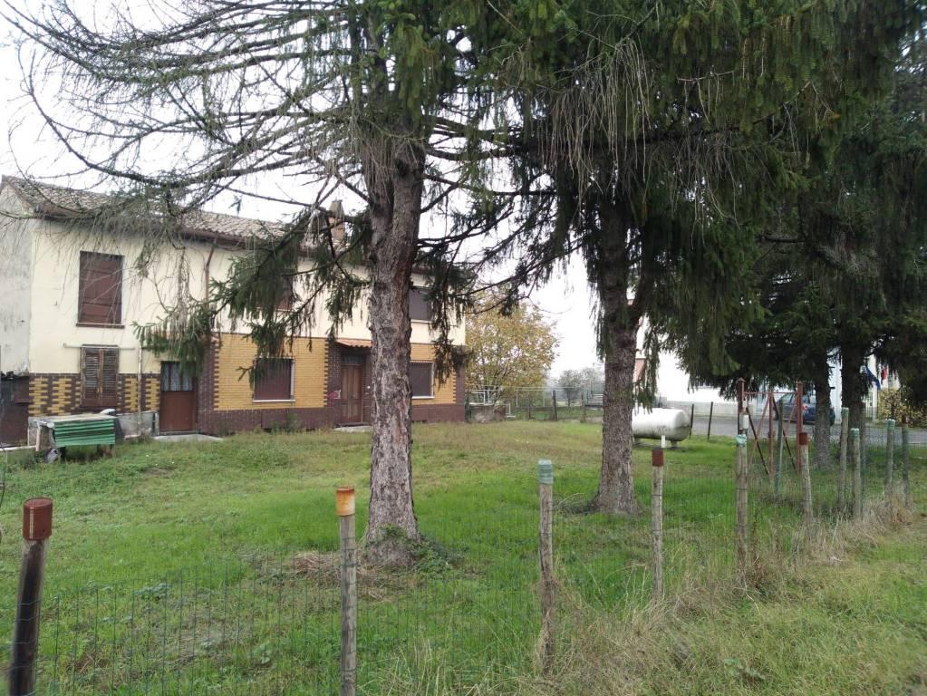 Rustico / Casale in vendita a Santa Giuletta, 5 locali, prezzo € 48.000 | CambioCasa.it