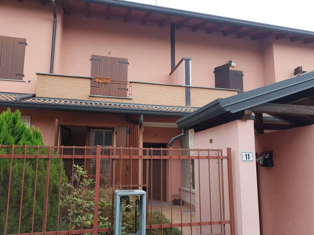 Villa a Schiera in vendita a Bubbiano, 5 locali, prezzo € 200.000   PortaleAgenzieImmobiliari.it
