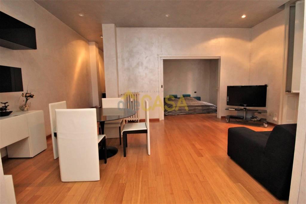 Appartamento in vendita 2 vani 66 mq.  via Gaetano Previati 35 Milano