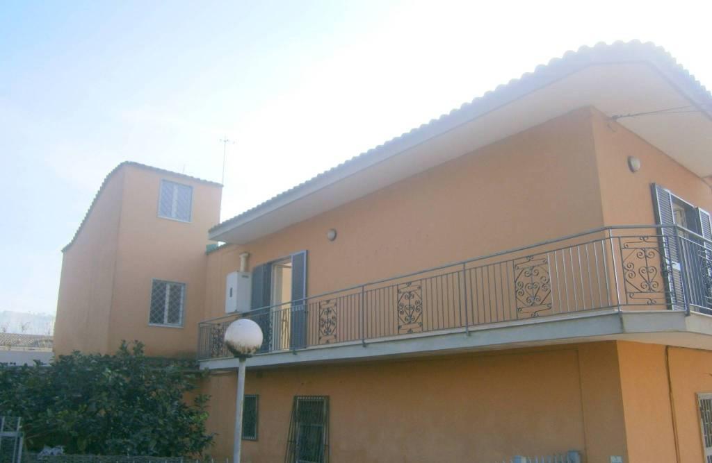 Appartamento in ottime condizioni in affitto Rif. 8575961