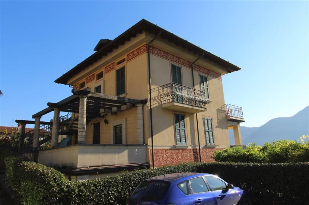 Appartamento in ottime condizioni arredato in affitto Rif. 7611325