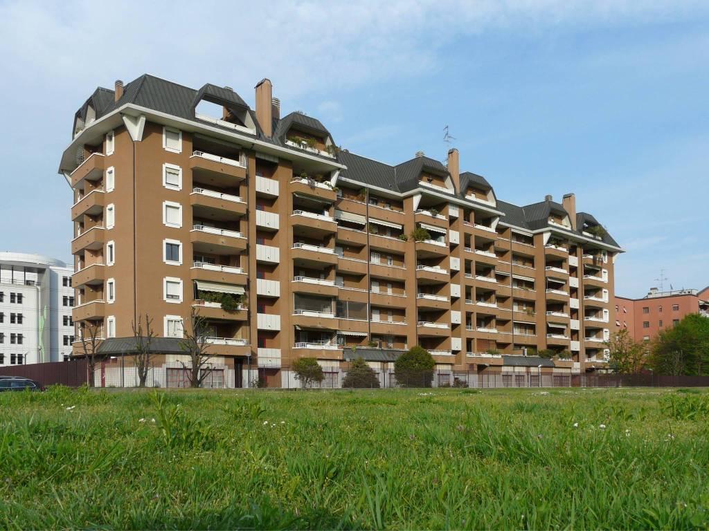 Appartamento in vendita 3 vani 100 mq.  via Castellanza 10 Milano