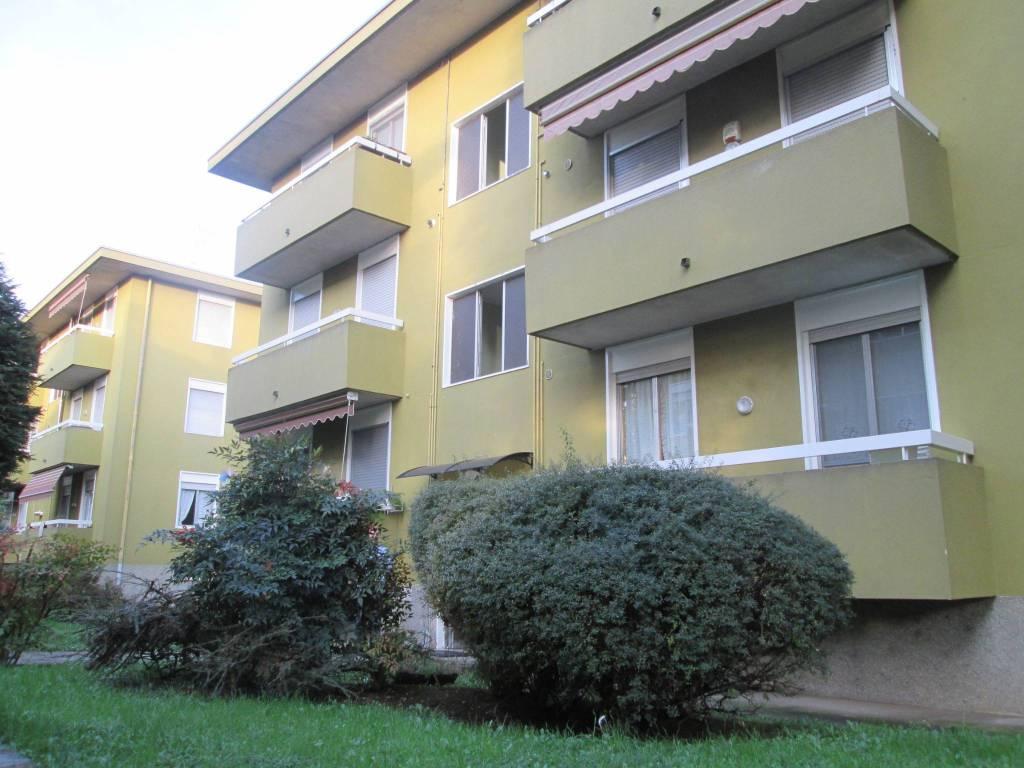 Appartamento in buone condizioni parzialmente arredato in vendita Rif. 8574060