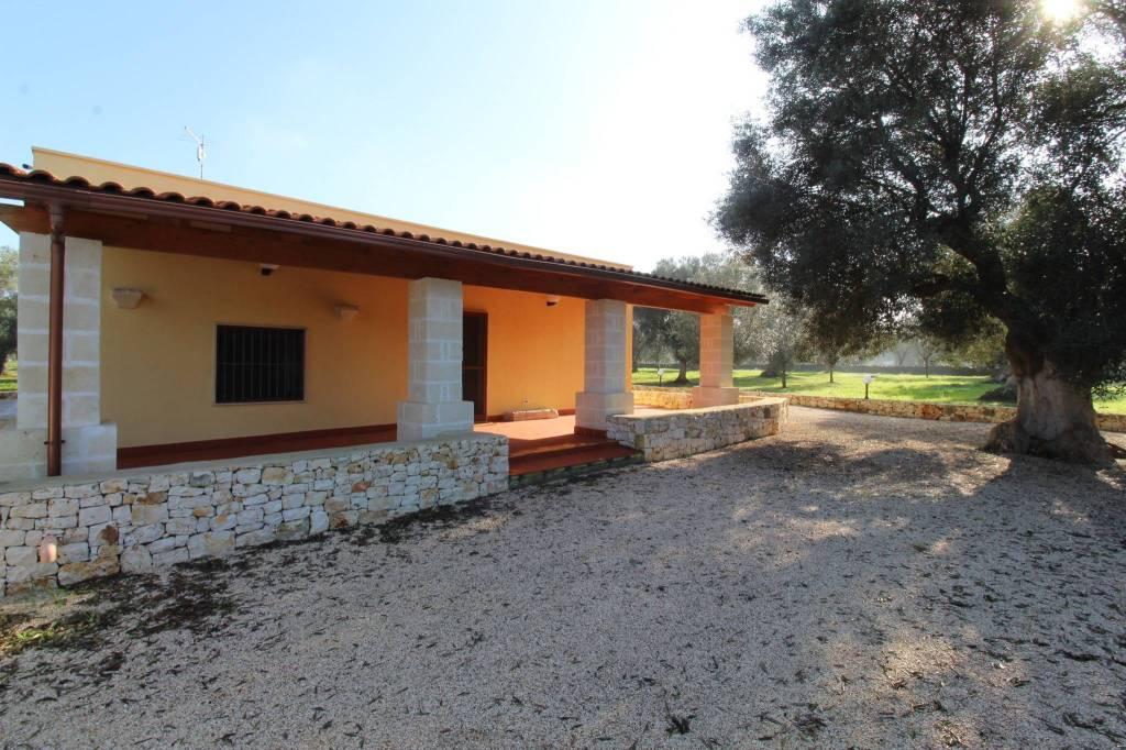 Villa in ottime condizioni arredato in vendita Rif. 8579044