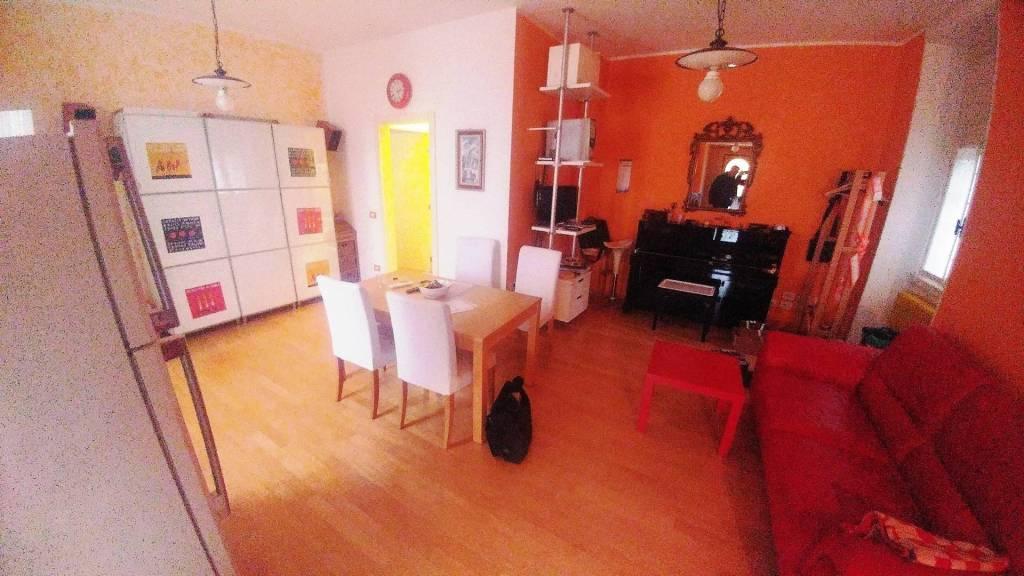 Appartamento in buone condizioni in vendita Rif. 8578601