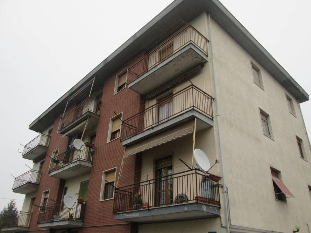 Appartamento in buone condizioni in vendita Rif. 8579767