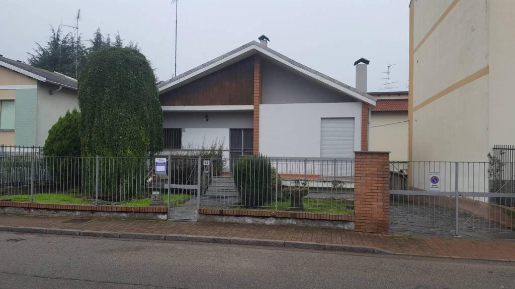 Villa in buone condizioni in vendita Rif. 7363258