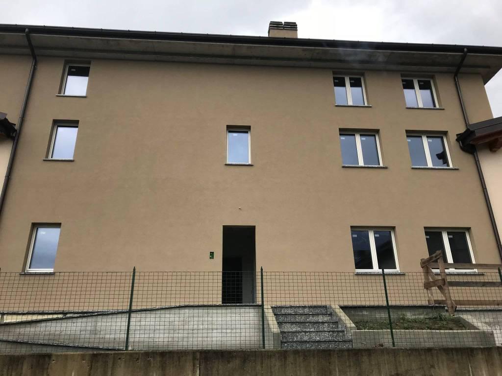 Appartamento in vendita a Dubino, 2 locali, prezzo € 97.000   CambioCasa.it