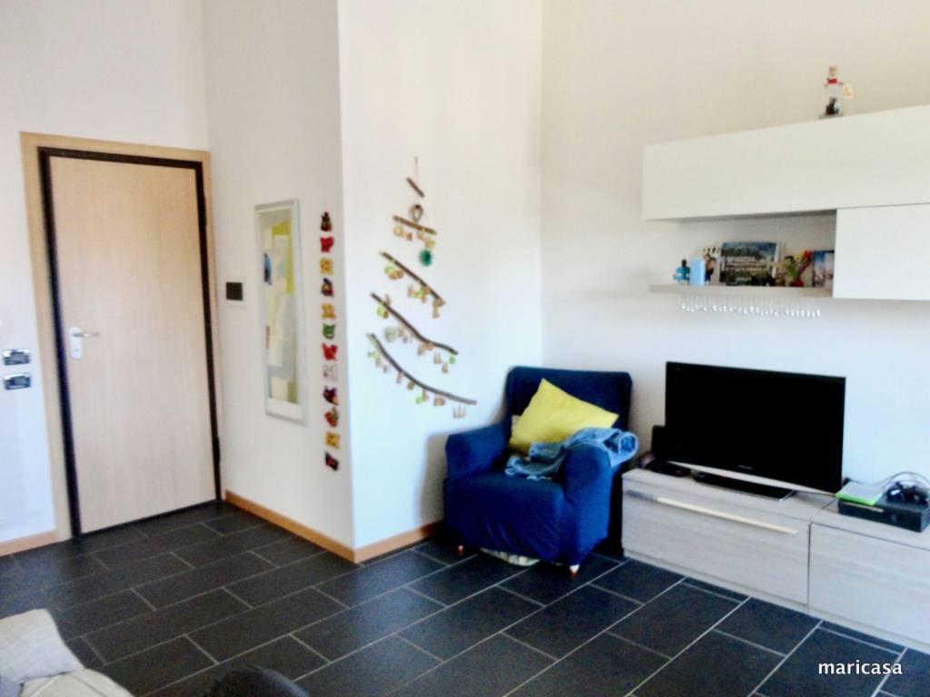Appartamento in ottime condizioni arredato in vendita Rif. 8573648