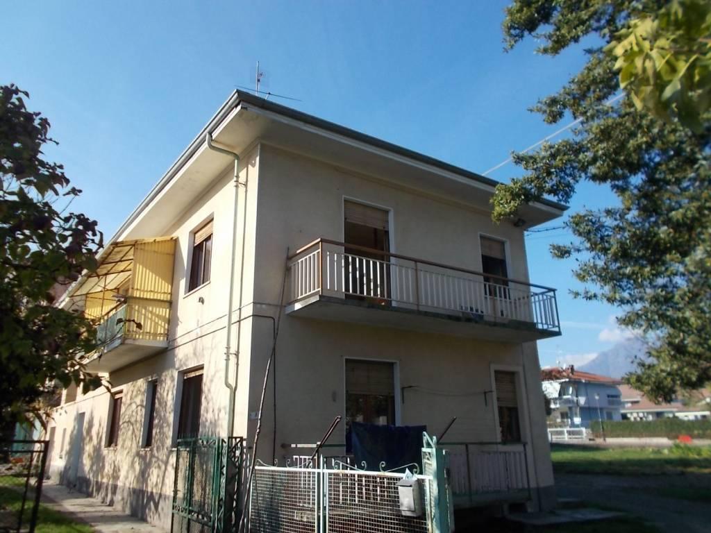 Villa in buone condizioni in vendita Rif. 8576320