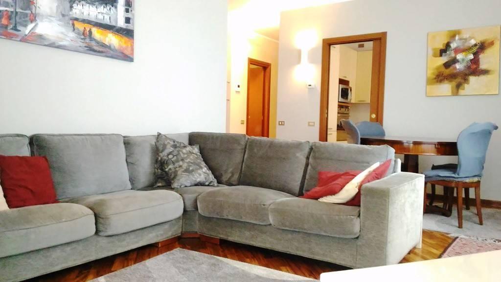 Appartamento in ottime condizioni arredato in affitto Rif. 8573670