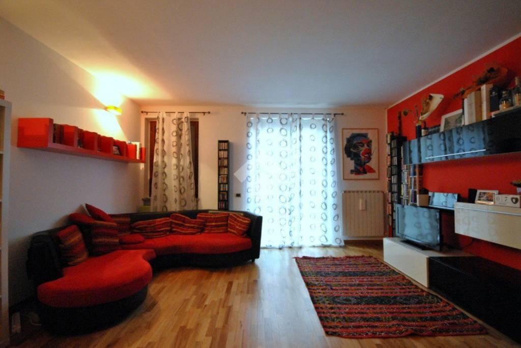 Appartamento in ottime condizioni in vendita Rif. 9269549