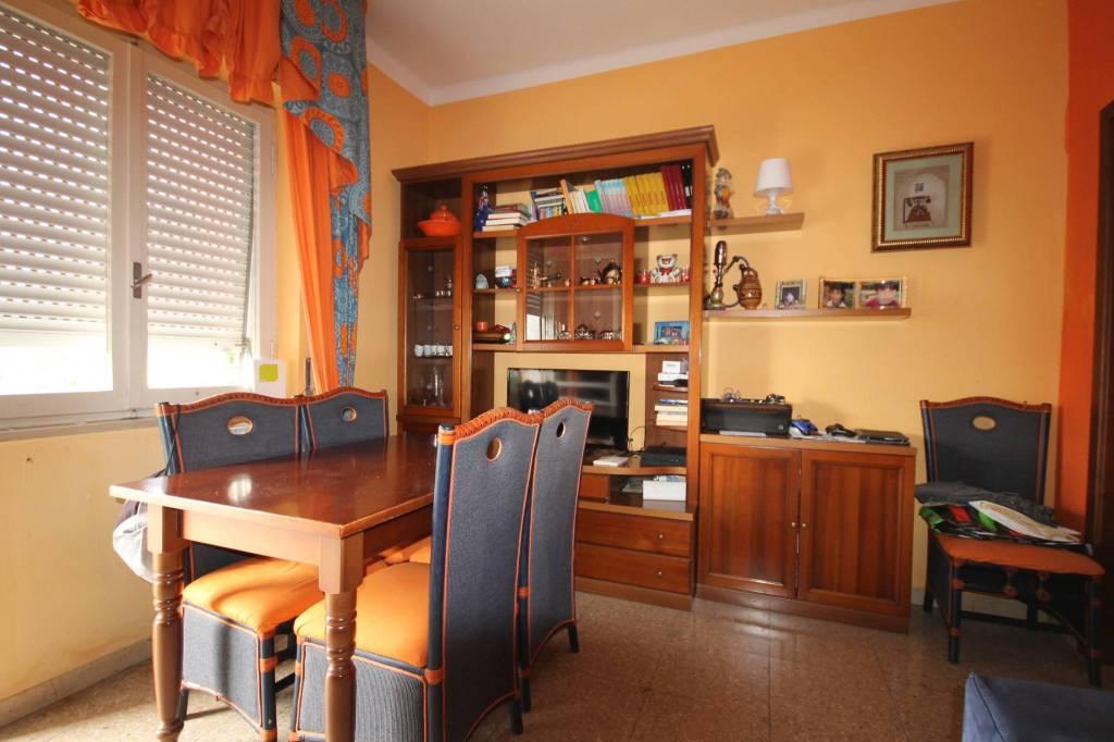 Appartamento in buone condizioni parzialmente arredato in vendita Rif. 8576185
