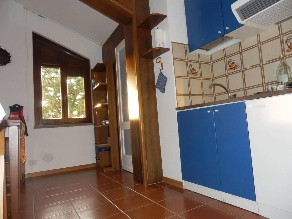 Appartamento in ottime condizioni arredato in affitto Rif. 8579085