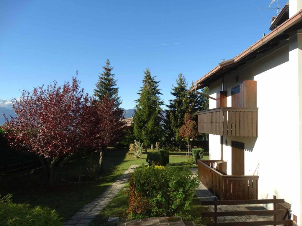 Appartamento in buone condizioni arredato in vendita Rif. 8576869