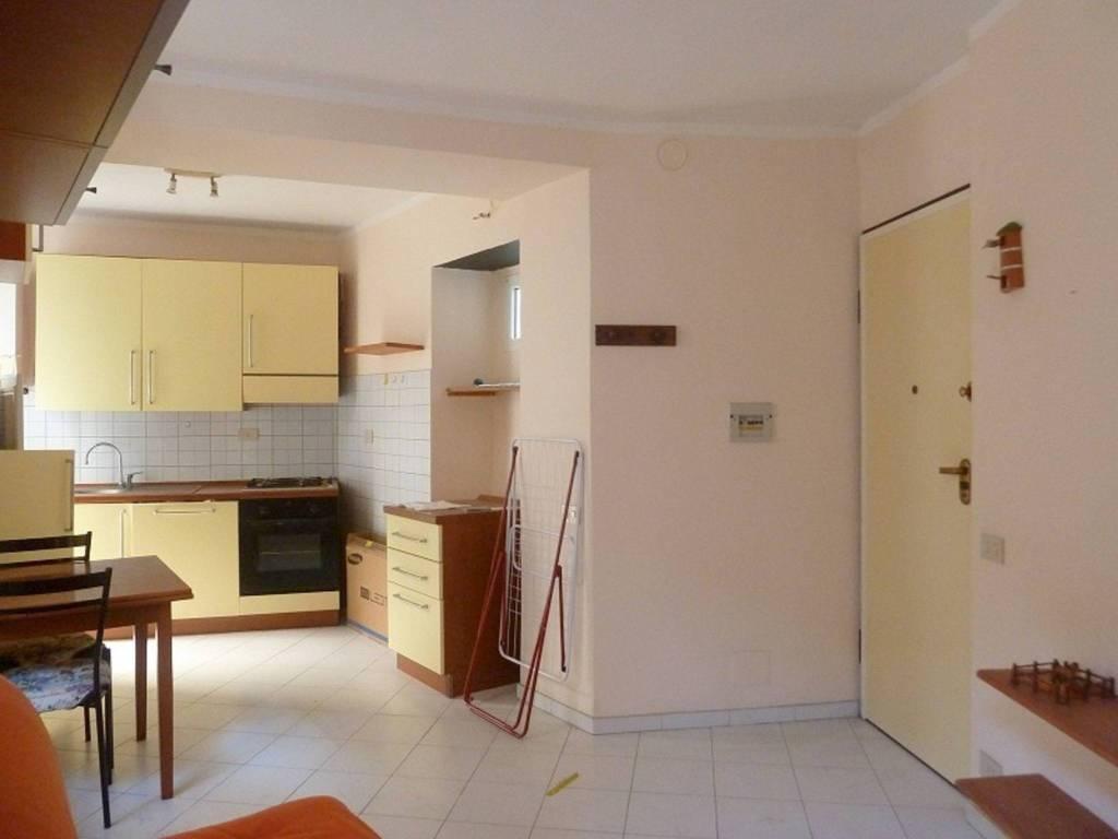 Appartamento in ottime condizioni arredato in vendita Rif. 8561617