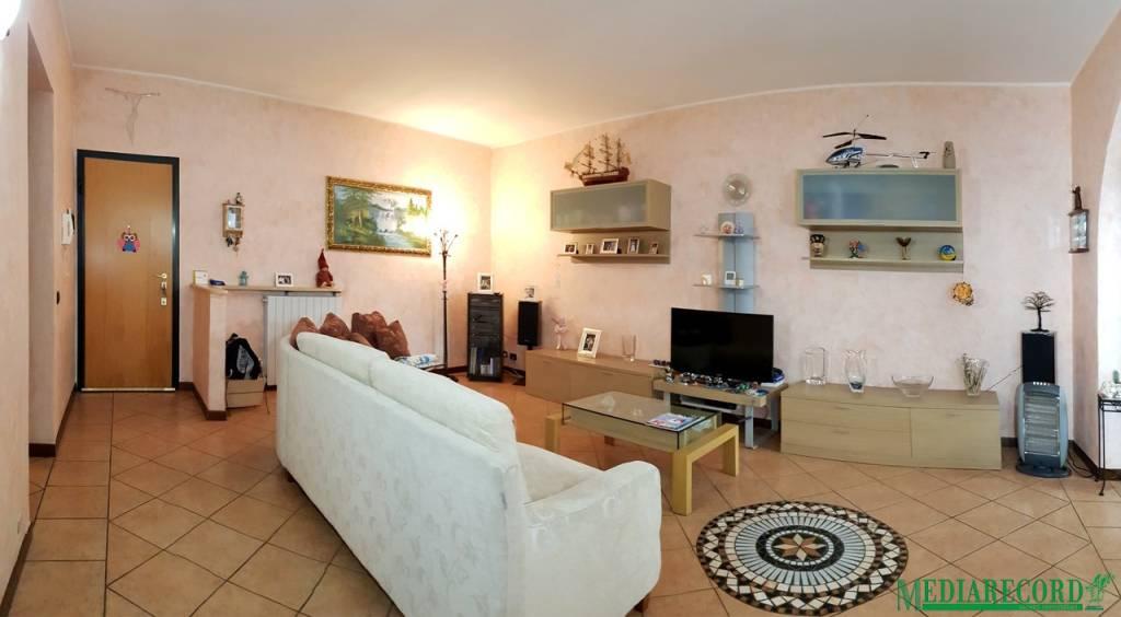 Appartamento in vendita a Lomazzo, 3 locali, prezzo € 140.000 | PortaleAgenzieImmobiliari.it