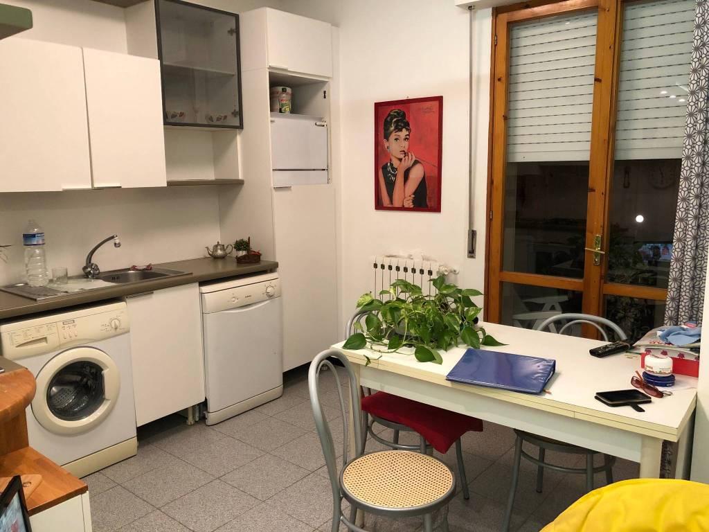 Appartamento in buone condizioni arredato in affitto Rif. 8573941