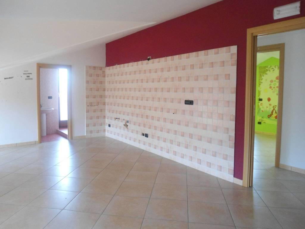 Appartamento in ottime condizioni in vendita Rif. 8573300