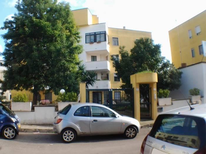 Appartamento in ottime condizioni parzialmente arredato in vendita Rif. 8579169
