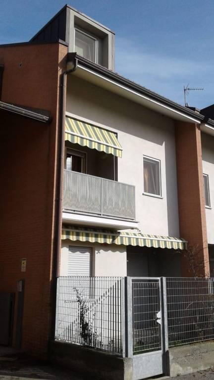 Appartamento in ottime condizioni in vendita Rif. 8578619