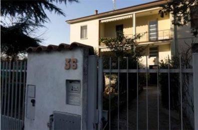 Appartamento in buone condizioni in vendita Rif. 9439183