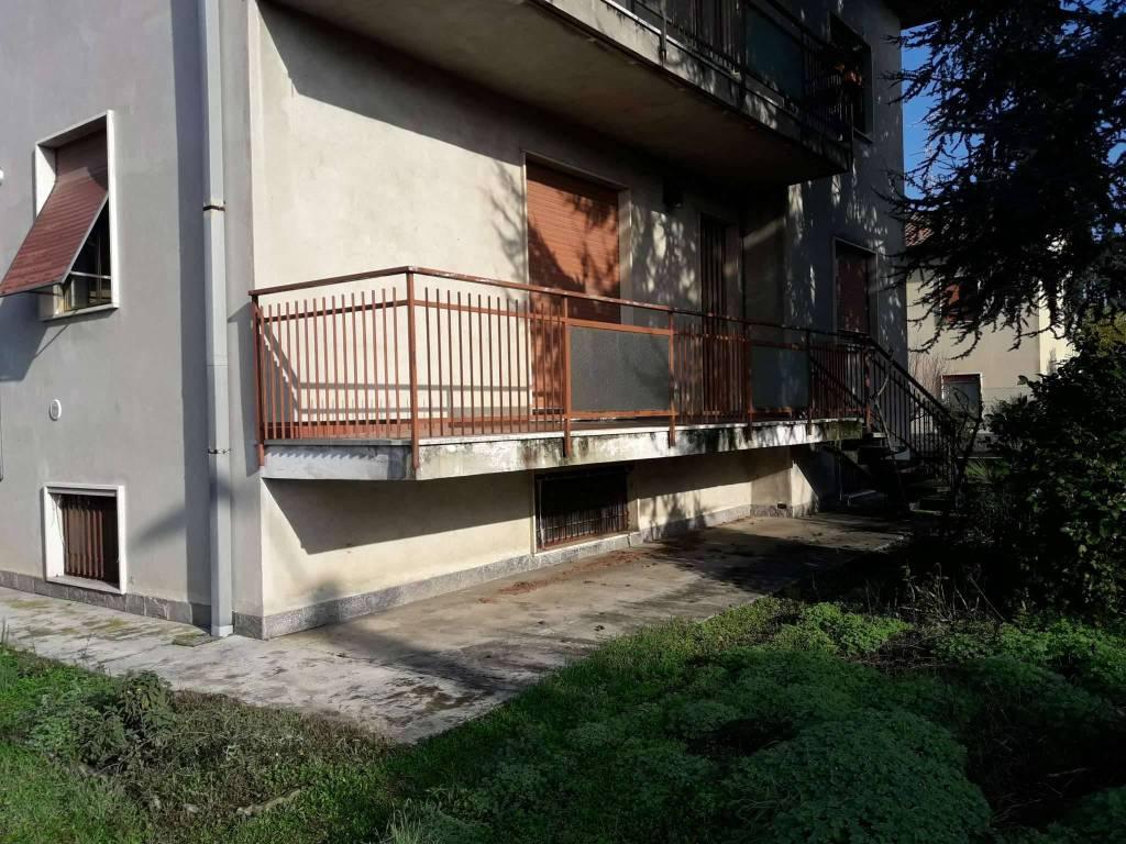 Appartamento in vendita a Tradate, 6 locali, prezzo € 170.000 | PortaleAgenzieImmobiliari.it