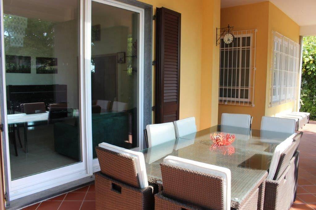 Appartamento in ottime condizioni arredato in vendita Rif. 8579758