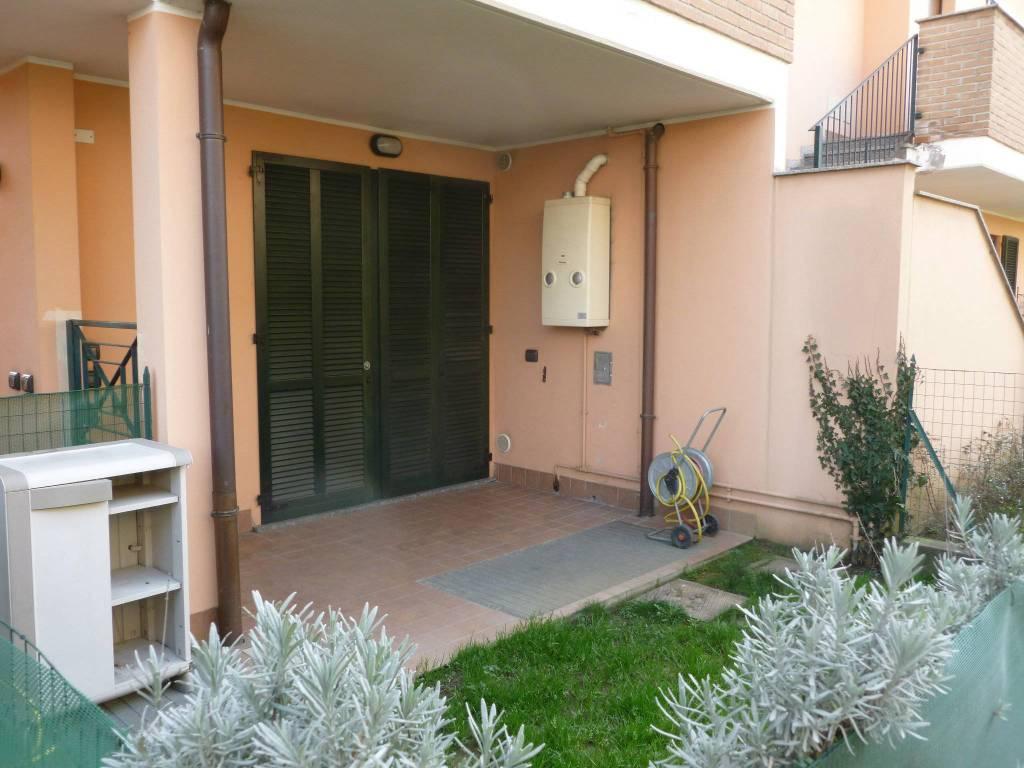 Appartamento in buone condizioni in vendita Rif. 8591515