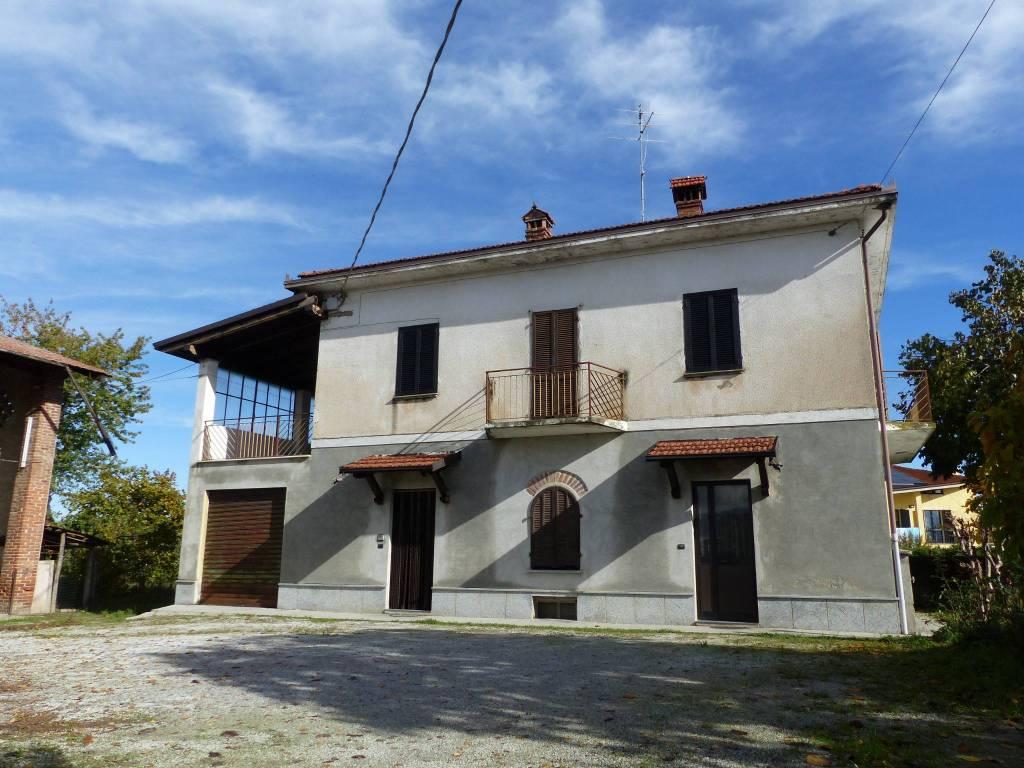 Foto 1 di Villa via Bra 109, Cuneo