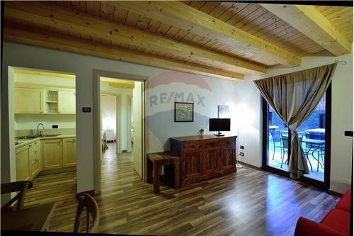 Appartamento arredato in vendita Rif. 8564790