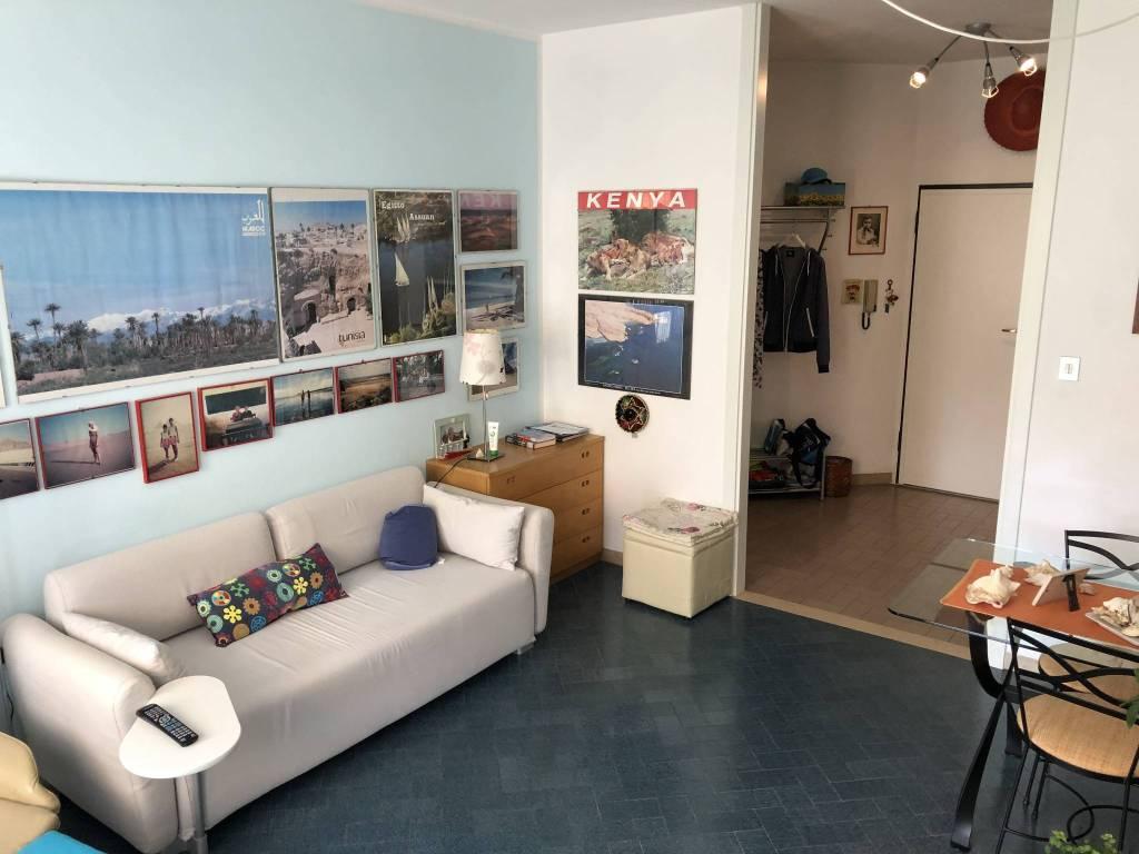 Appartamento in buone condizioni parzialmente arredato in vendita Rif. 8593248