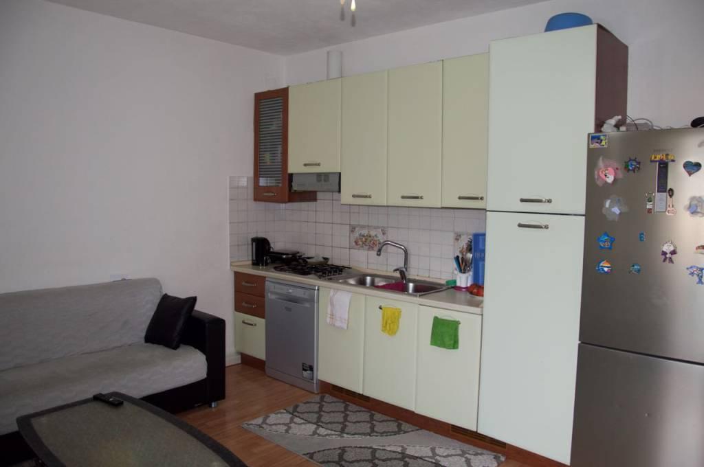Appartamento in buone condizioni in vendita Rif. 8589881