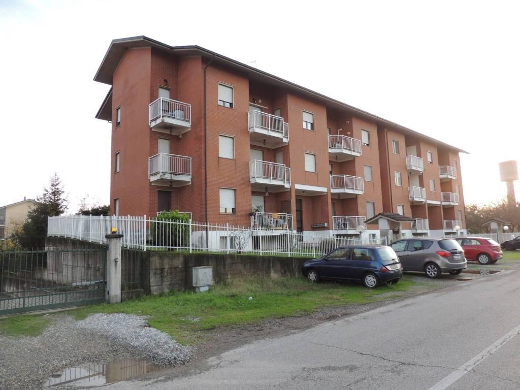 Appartamento in ottime condizioni in vendita Rif. 8591542